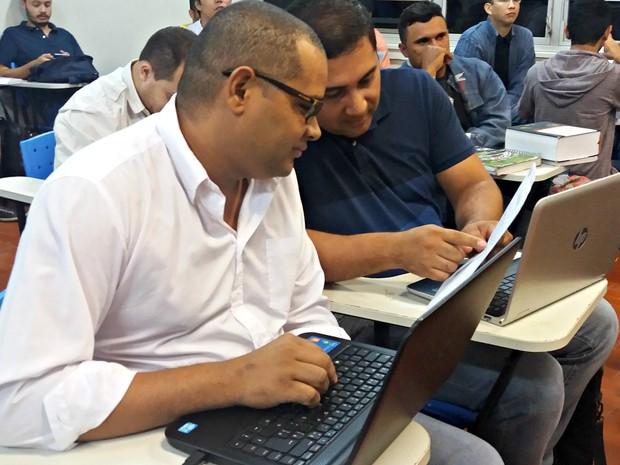 Oliveira diz que fazer direito se tornou um sonho após as dificuldades. (Foto: Iryá Rodrigues/G1)